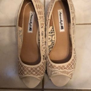 American Eagle white Lacey wedges 6.5